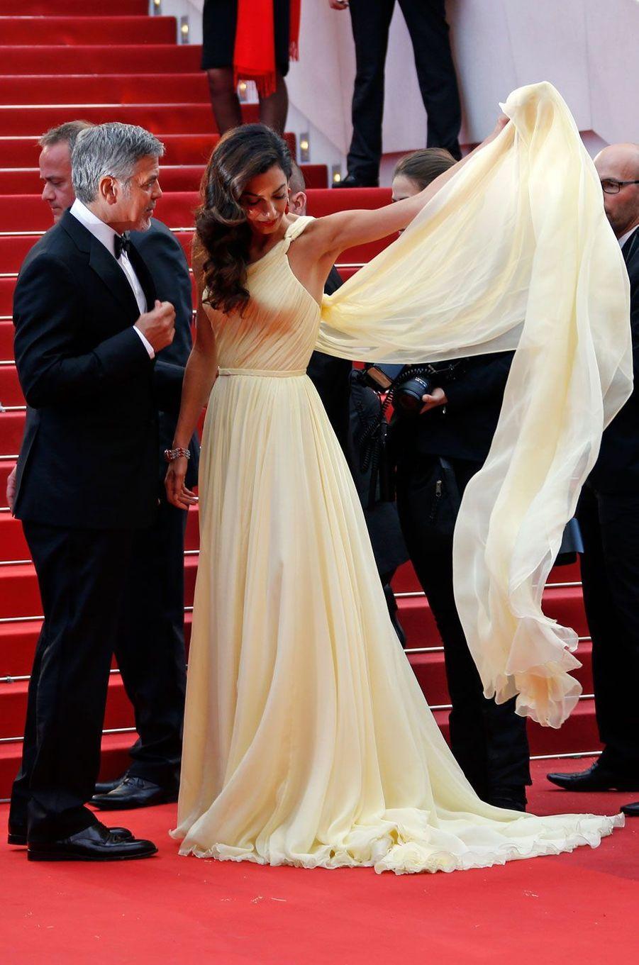 George Clooney et son épouse Amal sur le tapis rouge