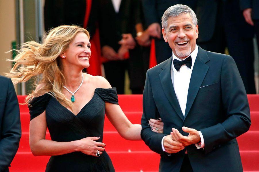 Julia Roberts et George Clooney en haut des marches