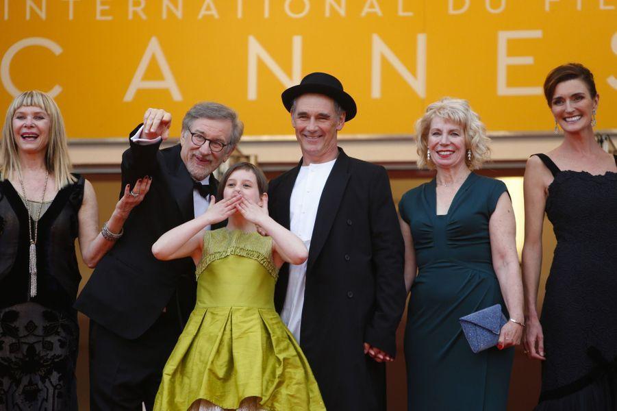 Steven Spielberg avec la jeune star du film Ruby Barnhill