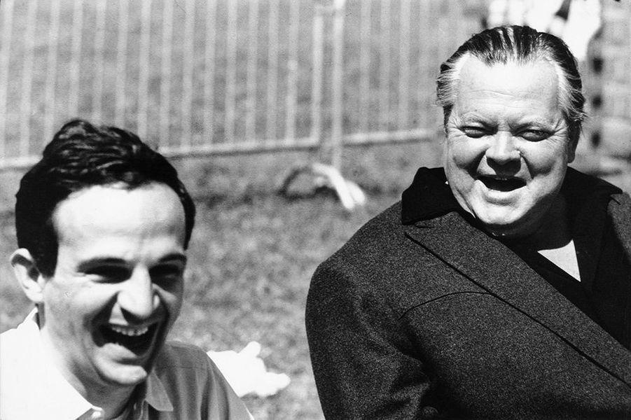 Orson Wells riant en compagnie de François Truffaut, mai 1966