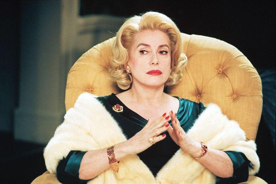 """Catherine Deneuve dans """"8 Femmes"""", sorti en 2002"""