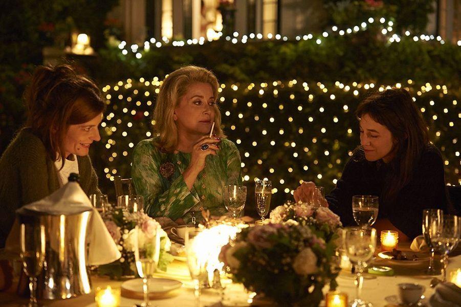 "Chiara Mastroianni, Catherine Deneuve et Charlotte Gainsbourg dans ""Trois coeurs"", sorti en 2014"