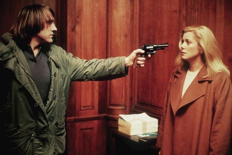 """Gérard Depardieu et Catherine Deneuve dans """"Le choix des armes"""", sorti en 1981"""