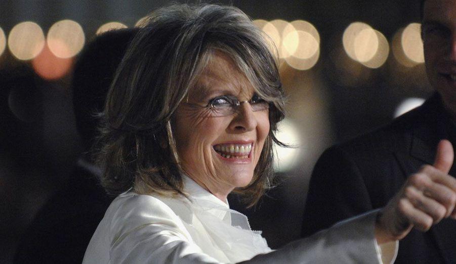 Après des histoires d'amour passionnées avec Woody Allen et Al Pacino, c'est toute seule que Diane Keaton a décidé d'adopter ses deux enfants. En 1996, elle a ainsi accueilli sa fille Dexter et 2001 son fils Duke.