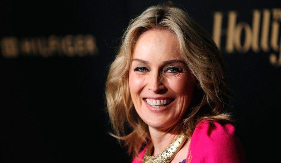 En 2000, Sharon Stone et son époux Phil Bronstein ont adopté Roan Joseph. Divorcée en2004, la star a continué à agrandir sa famille puisqu'en 2004, elle a accueilli un petit Laird Vonne. Puis, en juin 2006, elle a adopté en célibataire son troisième enfant. Un petit garçon qu'elle a prénommé Quinn.