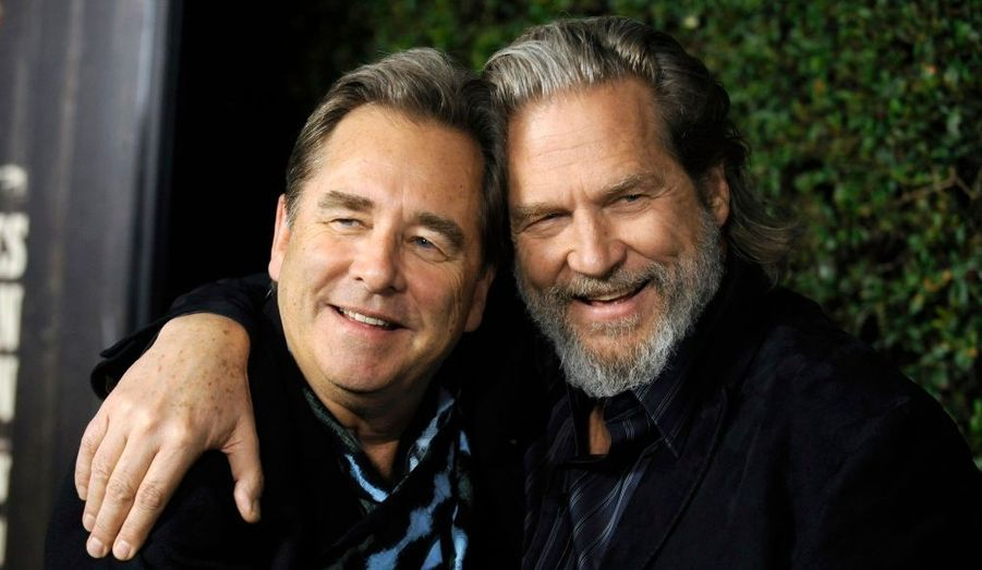 "Jeff Bridges (à droite) et son frère Beau Bridges, à la projection de ""True Grit"" à Beverly Hills."
