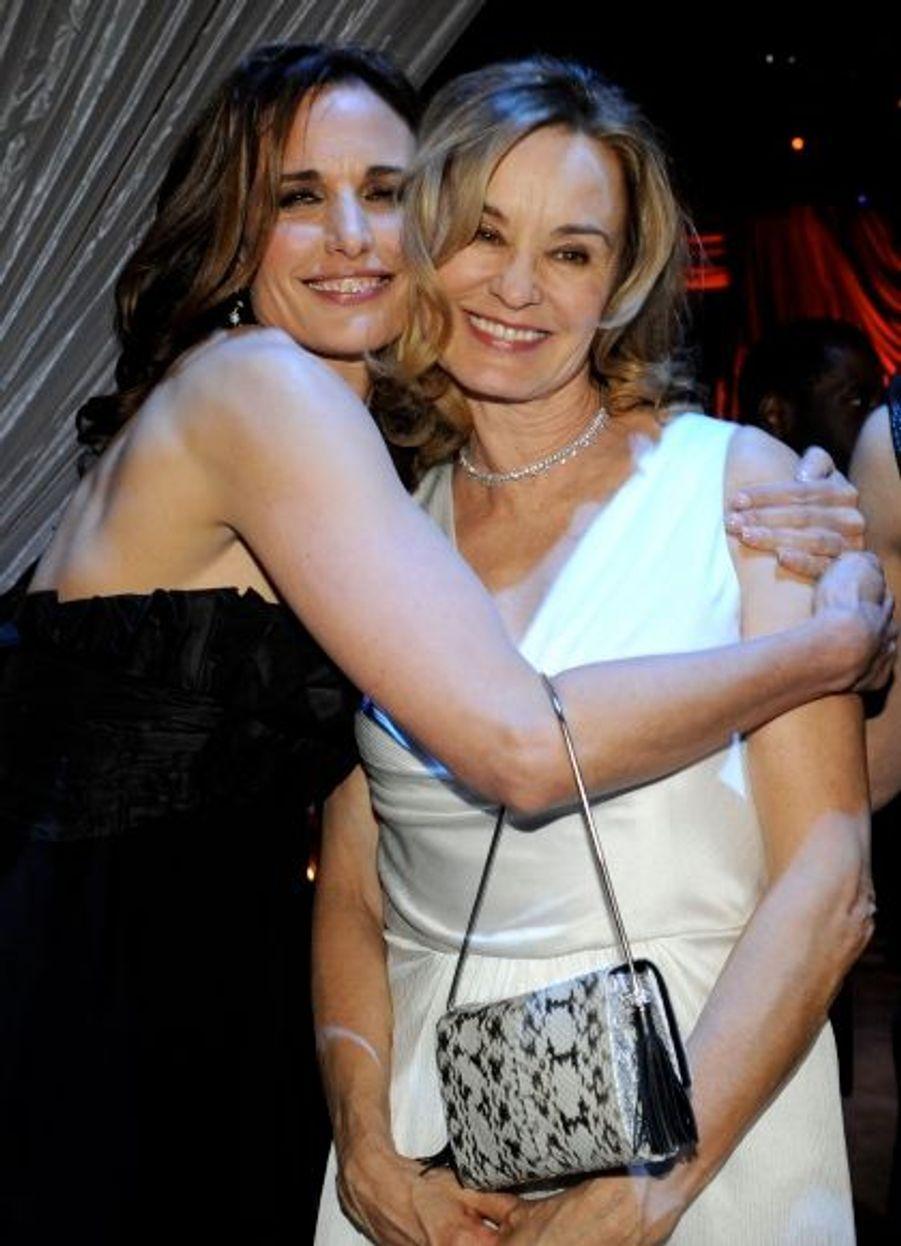 Elles s'adorent: Andie MacDowell (éblouissante) et Jessica Lange, bientôt dans un film biblique.