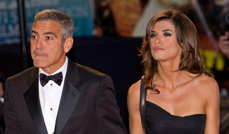 George Clooney s'est prêté de bonne grâce au jeu des photographes.