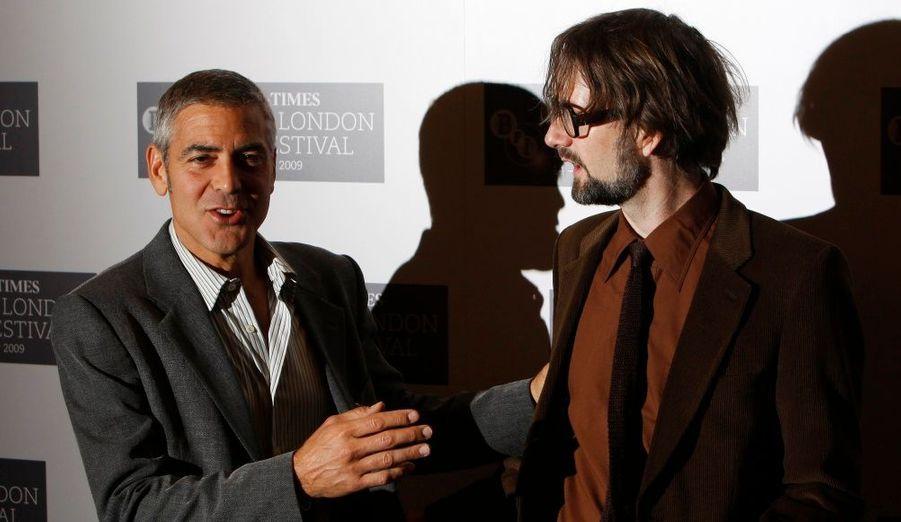 Le leader du groupe Pulp, Jarvis Cocker, donne de la voix dans le film.