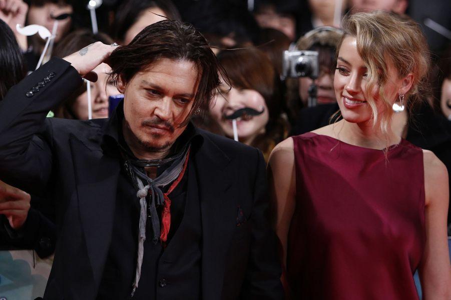 Amber Heard et Johnny Depp à Tokyo, en janvier 2015