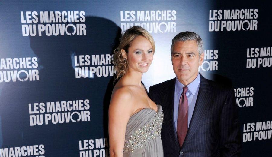 L'avant-première parisienne du film Les Marches du pouvoir a eu lieu mardi soir à l'UGC Normandie, sur les Champs-Elysées. Réalisateur de ce long-métrage sur les coulisses d'une campagne pour les primaires aux Etats-Unis, George Clooney est apparu au bras de sa compagne Stacy Keibler.