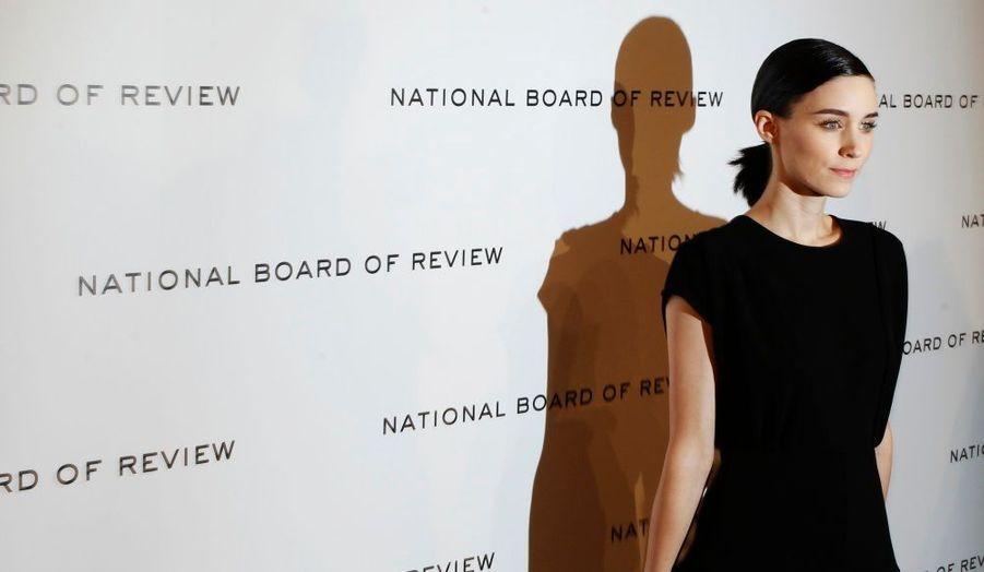 Le National Board of Review of Motion Pictures organisait mardi soir son 83ème gala de remise de prix cinématographiques à New York. Le trophée du Meilleur acteur est revenu à George Clooney pour sa performance dans The Descendant. L'équivalent féminin a été décerné à Tilda Swinton pour son rôle dans We Need to Talk About Kevin. Martin Scorsese a été sacré Meilleur réalisateur pour le film fantastique Hugo Cabret.