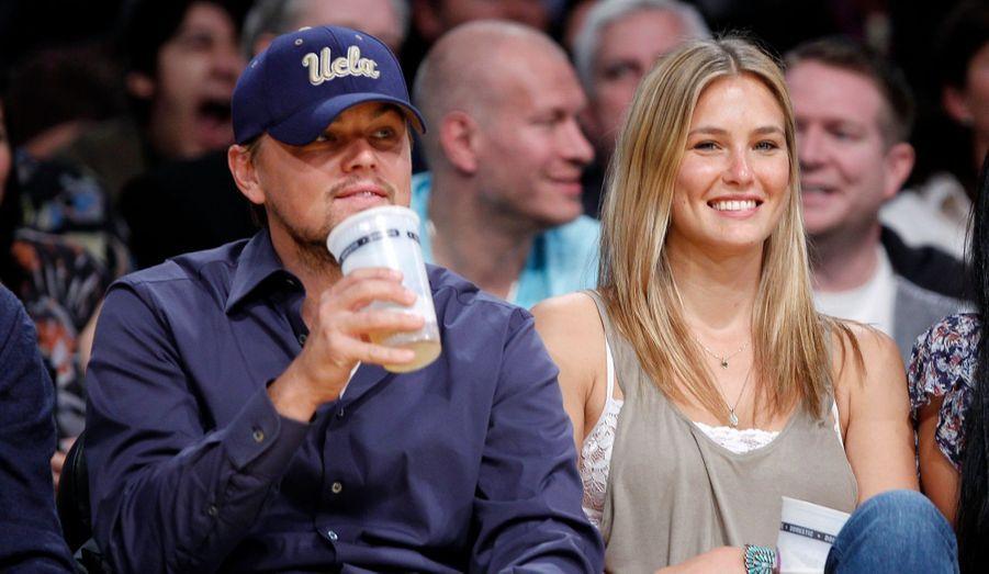 Pendant cinq ans, de 2006 à 2011, Bar Refaeli et Leonardo DiCaprio ont vécu une grande histoire d'amour, en toute discrétion. Mais, lasse d'attendre une demande en mariage de la part de son homme, la top model israélienne a mis fin à leur relation en mai 2011.