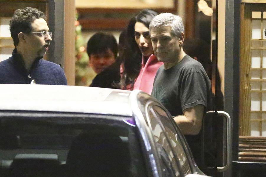 Amal et George Clooney à Los Angeles le 17 décembre 2014