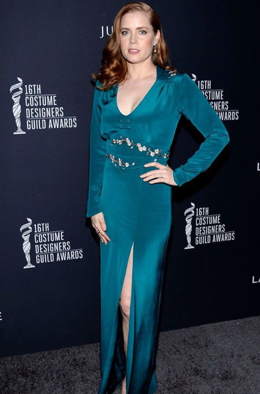Amy Adams, sublime pour honorer les costumiers d'Hollywood