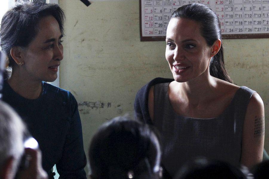 Aung San Suu Kyi et Angelina Jolie à Rangoun le 1er août 2015