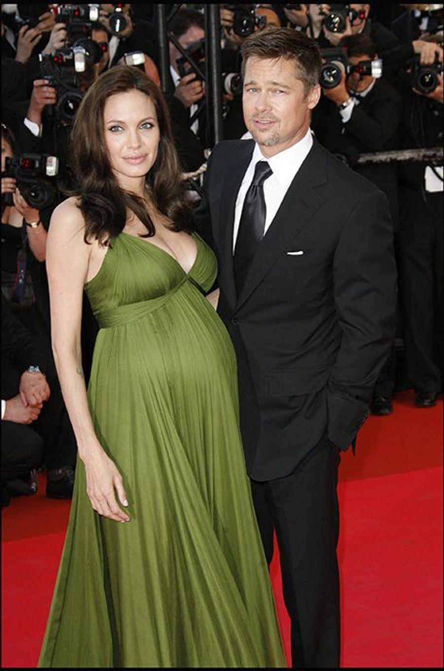 Au Festival de Cannes 2008. Angelina Jolie est enceinte de Vivienne et Knox
