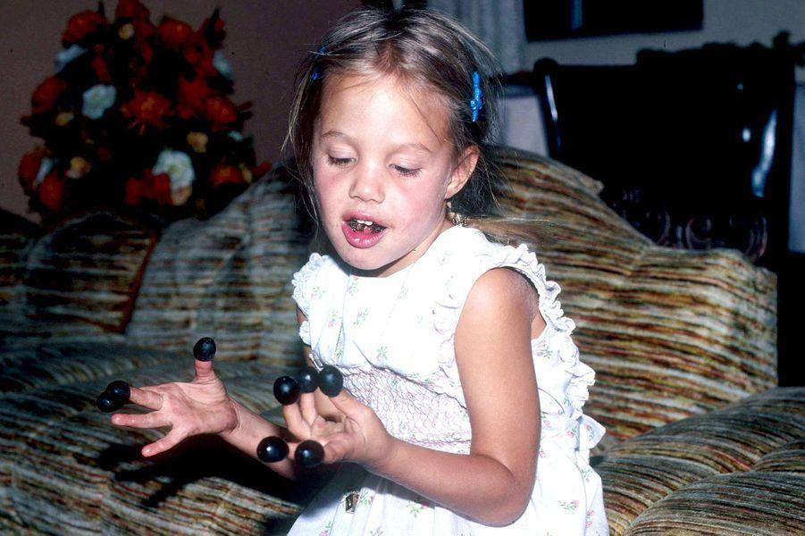 En 1979. Angelina Jolie était âgée de 4 ans