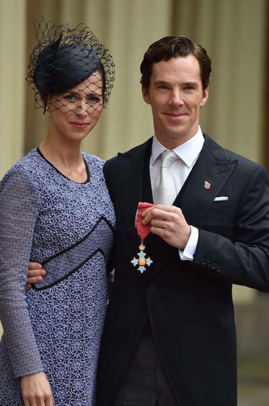 Benedict Cumberbatch décoré par la reine Elizabeth II, le 10 novembre 2015