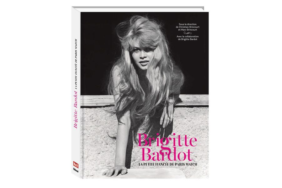 Brigitte Bardot pose pour Paris Match.