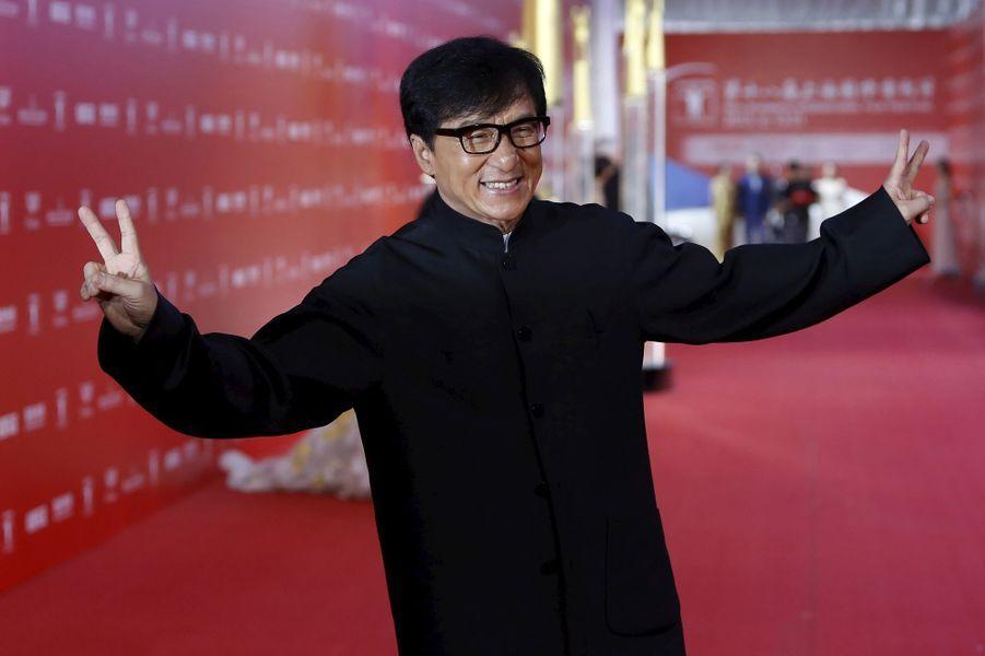 """Jackie Chan a joué dans un film pornographique hongkongais, intitulé """"All in the Family"""", en 1975."""