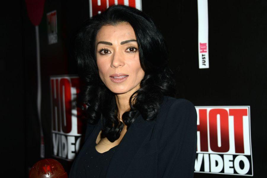 L'actrice et présentatrice française Tabatha Cash est un ancienne star du X.