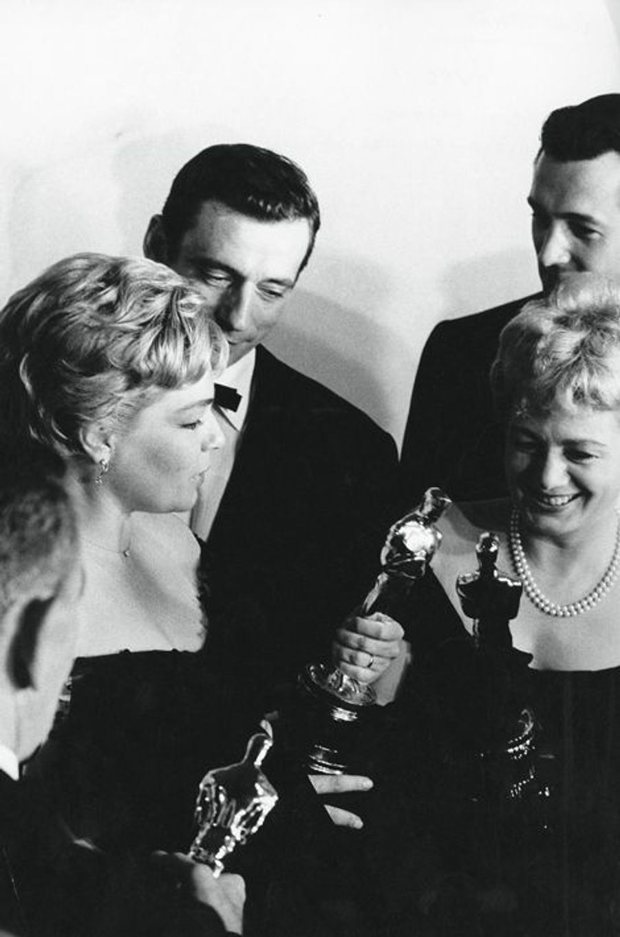 Simone Signoret à la cérémonie des Oscars en 1960