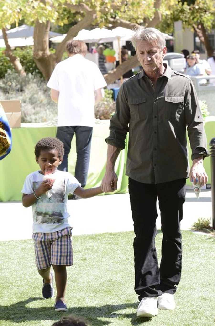 Sean Penn et Jackson à Los Angeles le 18 avril 2015