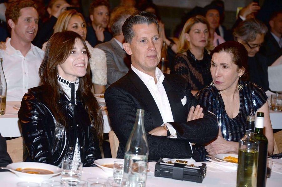 Charlotte Gainsbourg, Stefano Tonchi et Laurie Simmons à New York le 4 novembre 2014