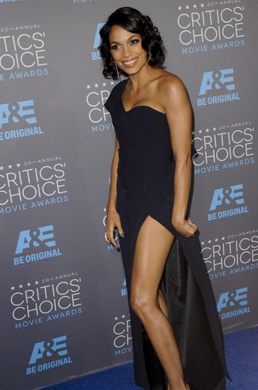 Rosario Dawson à Los Angeles le 15 janvier 2014
