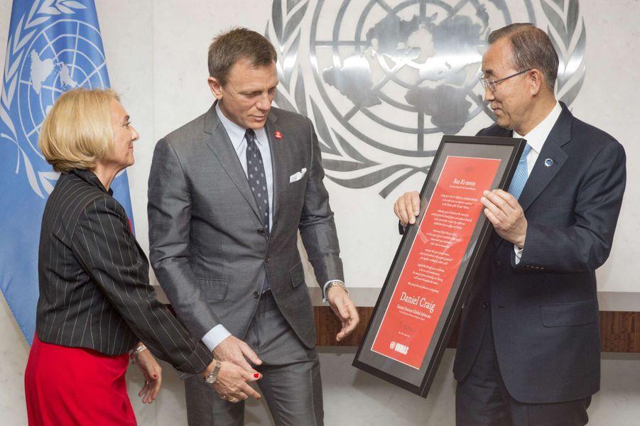 Agnès Marcaillou, Daniel Craig et Ban Ki-moon à New York le 14 avril 2015