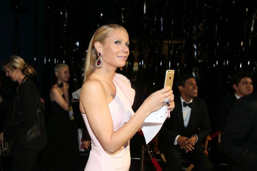 Gwyneth Paltrow dans les coulisses des Oscars, à Los Angeles le 22 février 2015