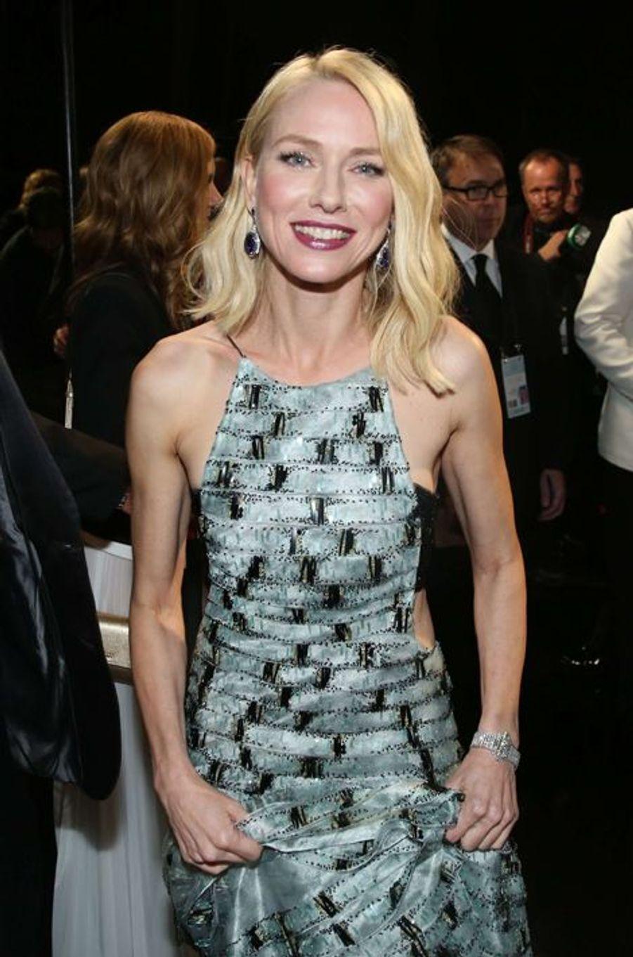 Naomi Watts dans les coulisses des Oscars, à Los Angeles le 22 février 2015