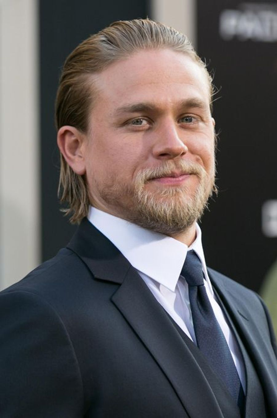 "Charlie Hunnam, prochaine star du film The Lost City of Z"" aux côté de Benedict Cumberbatch et Robert Pattinson"