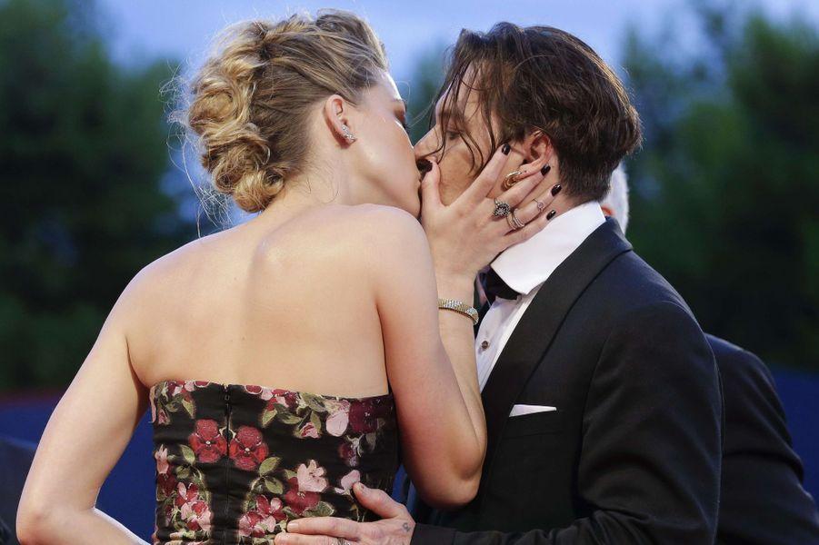 La sublime Amber Heard et Johnny Depp font une nouvelle fois le show à Venise, le 5 septembre 2015
