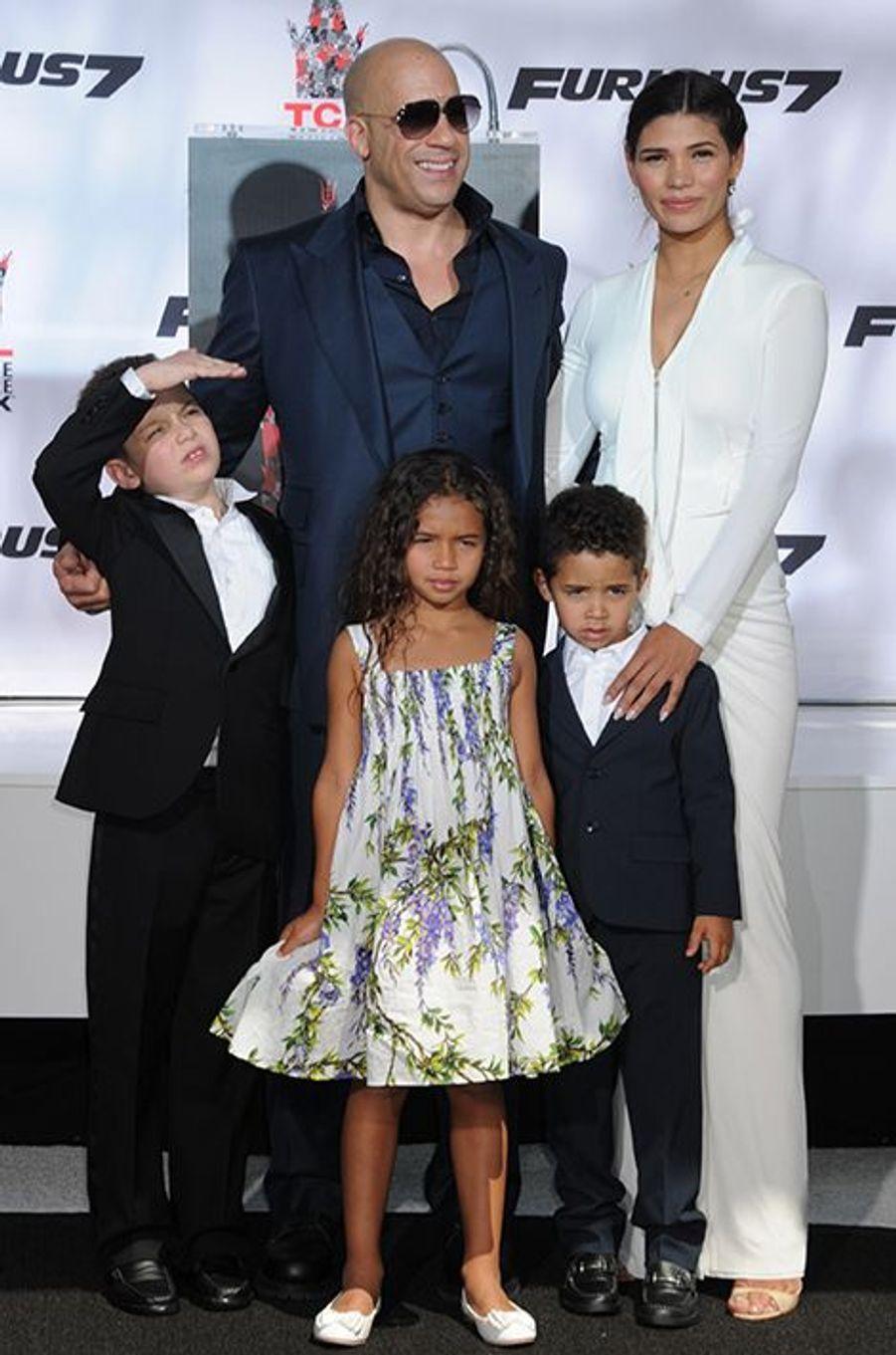 Vin Diesel, entouré de sa compagne et de leurs enfants, à Los Angeles le 1er avril 2015