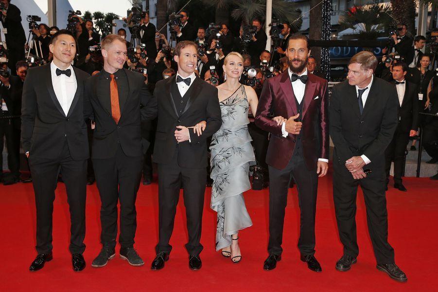 """L'équipe du film """"The Sea of Trees"""" à Cannes le 16 mai 2015"""
