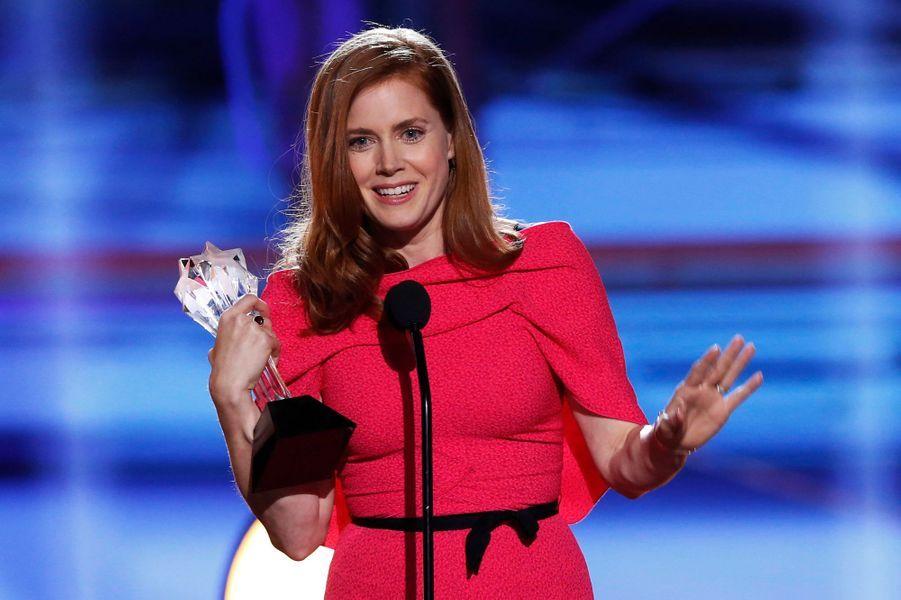 """Elle a remporté le prix de la meilleure actrice dans une comédie pour """"American Bluff""""."""