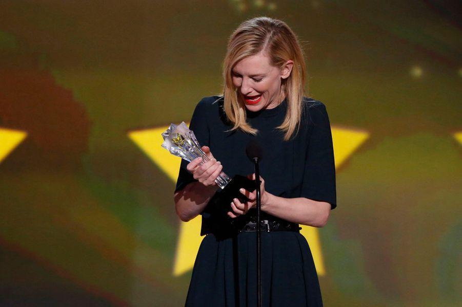 """La belle blonde a été sacrée meilleure actrice de l'année pour son rôle dans """"Blue Jasmine""""."""