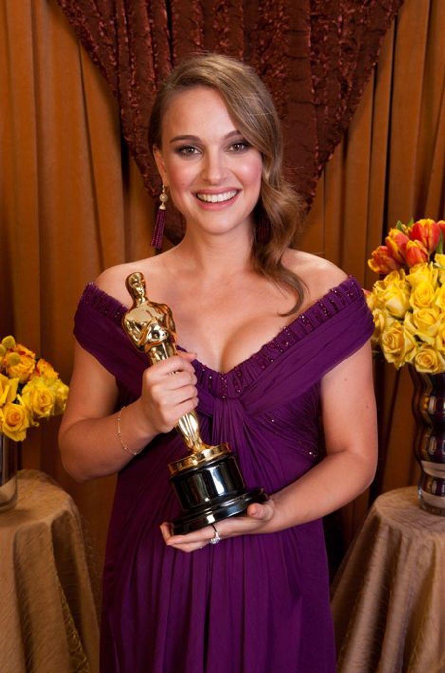 """Natalie remporte l'Oscar de la Meilleure actrice pour """"Black Swan"""", 27 février 2011"""