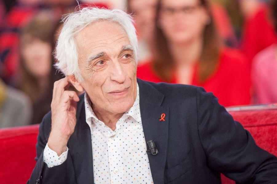 """Gérard Darmon lors de l'enregistrement de """"Vivement Dimanche"""" Jamel Debbouze le 25 mars 2015"""