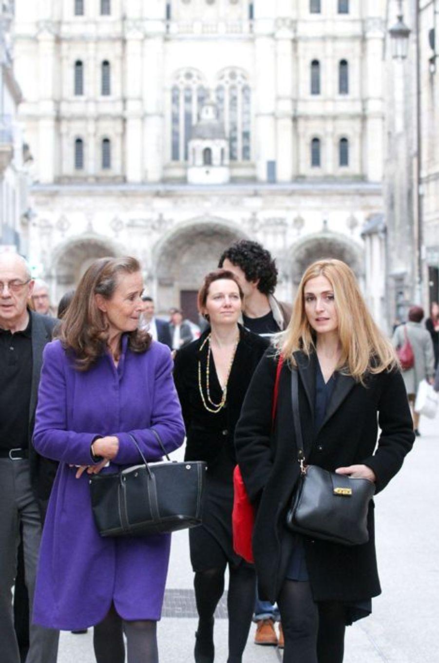 Julie Gayet une ambassadrice de charme à Dijon, le 6 novembre 2015