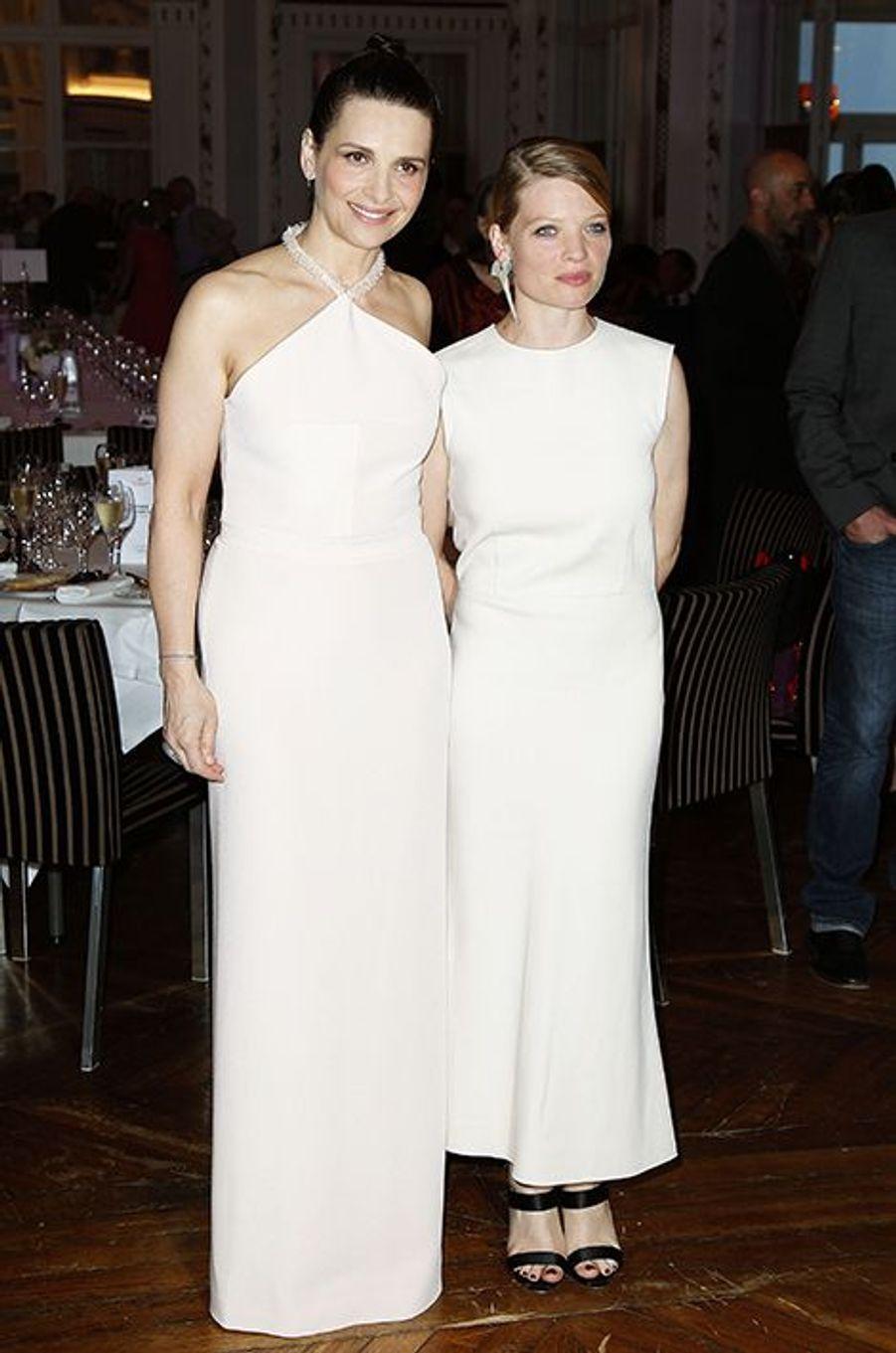 Juliette Binoche et Mélanie Thierry à Cabourg le 11 juin 2015