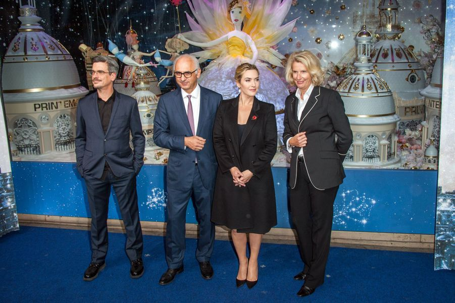 Le vendredi 6 novembre, Kate Winslet a inauguré les célèbres décorations de Noël du Printemps Haussmann aux côtés de Philippe Decouflé, Paol...