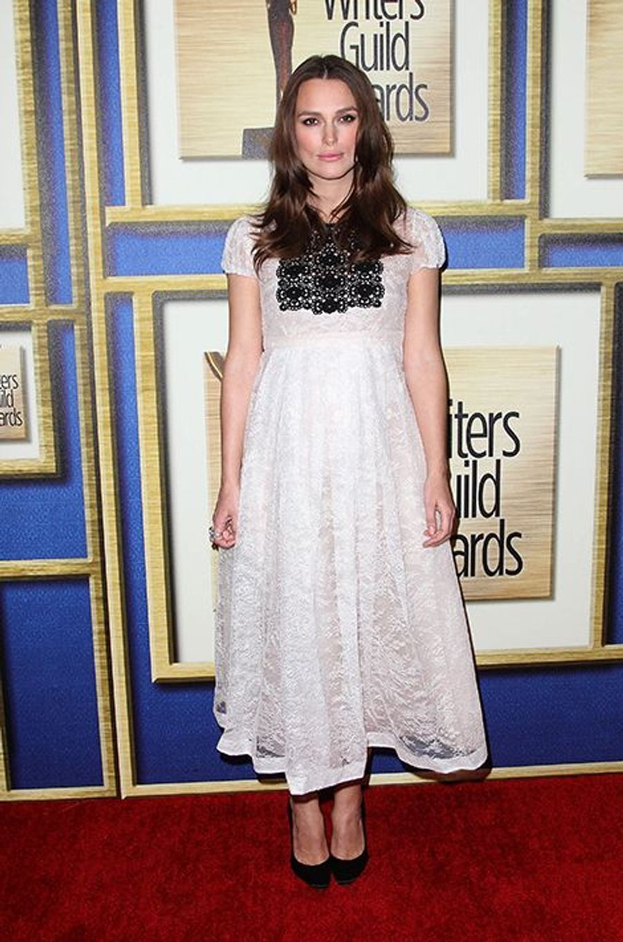 Rayonnante future maman aux Writers Guild Awards