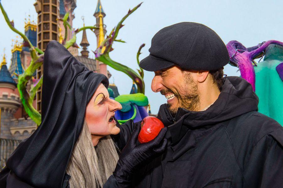 Vincent Elbaz et la Sorcière à Disneyland Paris