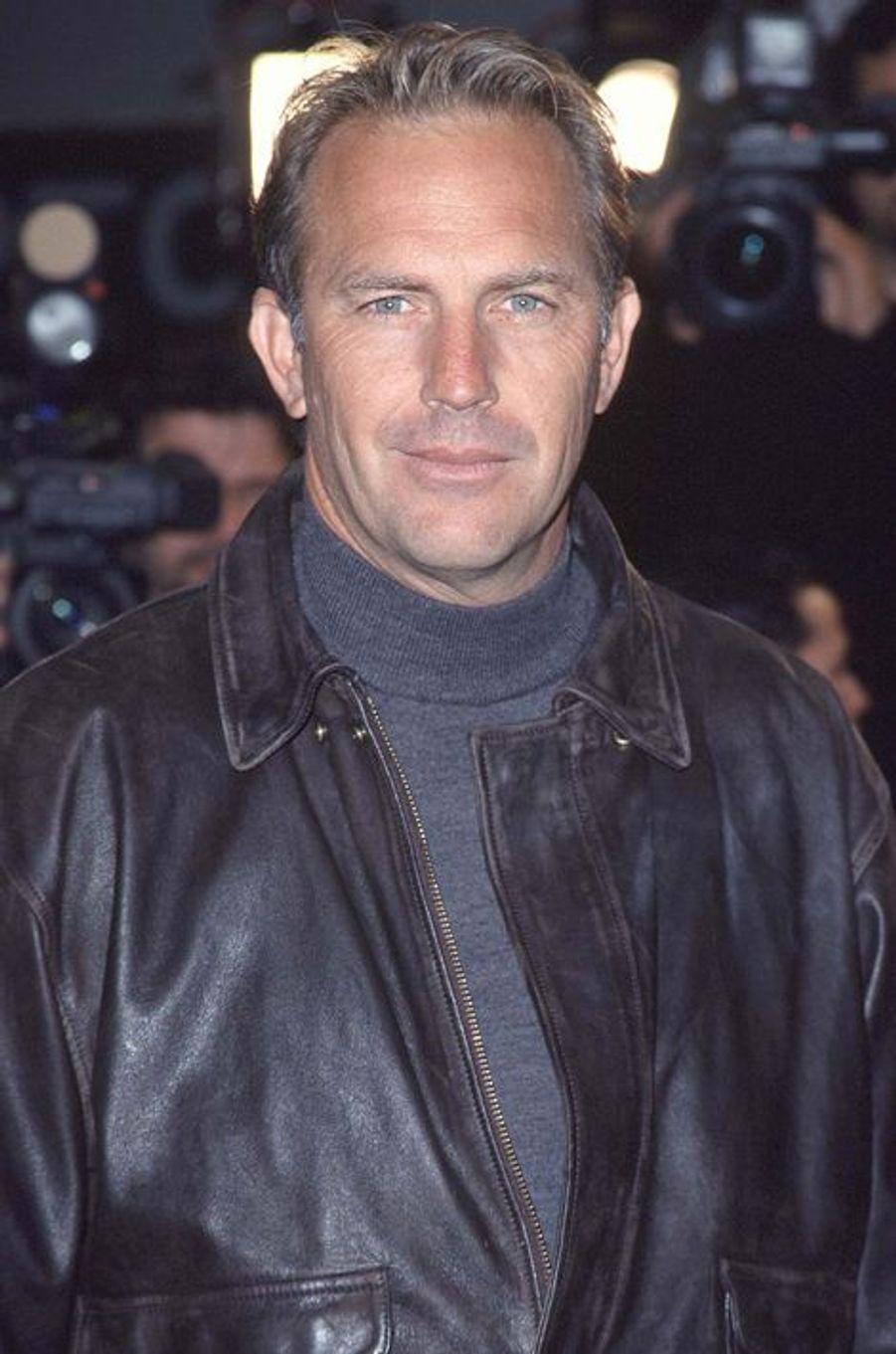 """À la première du film """"Une bouteille à la mer"""", le 8 février 1999 à Los Angeles"""