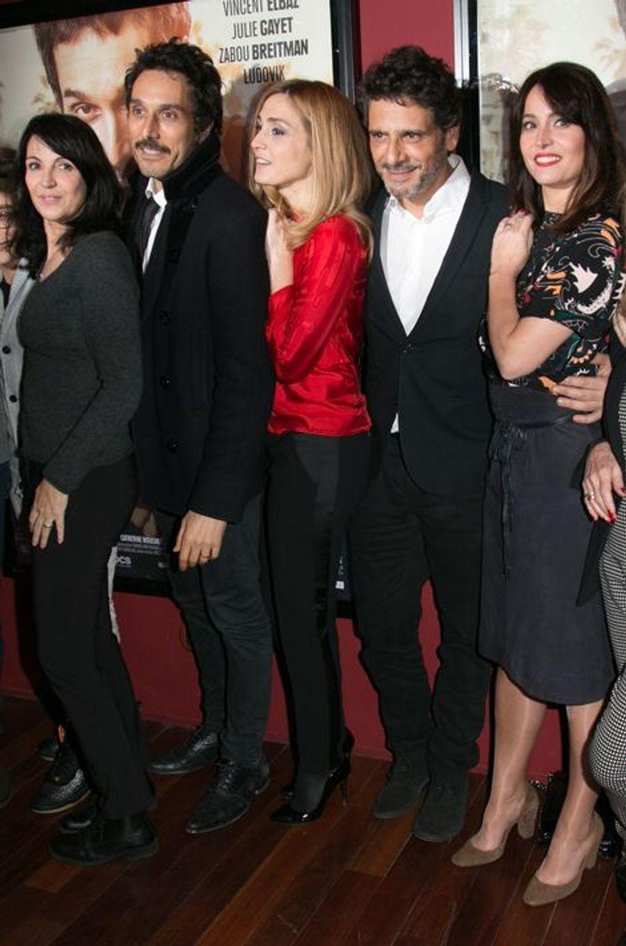 """L'équipe du film """"Je compte sur vous"""" à Paris le 21 décembre 2015"""