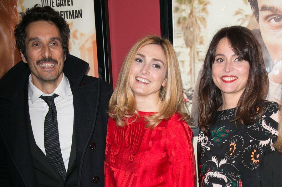 Vincent Elbaz, Julie Gayet et Anne Charrier à Paris le 21 décembre 2015