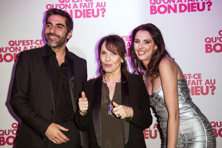 Ary Abbitan, Chantal Lauby et Frédérique Bel à Paris le 8 décembre 2014